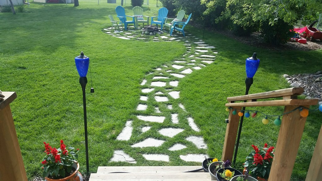 Outdoor flagstone walk